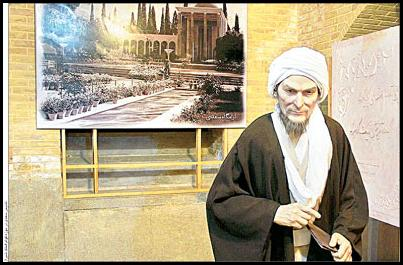 جنــگآورانـــی(همچو اسکنــدر گجستک)جهان را ویران میکردند، ولی سعدی(ابومحمد) در اندیشه عشقپراکنی بود:(شهنشه که بازارگان را بخستردر خیر بر شهر و لشگر ببست) و مگر به سعادت انسان نمیاندیشید(یکی را به زندان درش دوستانرکجا ماندش عیش در بوستان؟) با این سخنان به راستی که سعدی شهریار سخن است. بیسبب نیست که افلاطون، فرمانروایی را مگر سزاوار فیلسوفان و اندیشمندان نمیدانست. نادرشاه افشار به تمدن هند لشکر کشید ولی سعدی به تمدن هند سفر کرد. او آگاهانه با سفرکردن برای کتابهای بوستان و گلستاناش زمینهسازی کرد و توشه برچید. هفتصدسال پیش […]