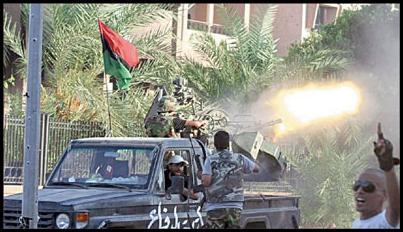 لیبی با حمله دولت موازی به پایتخت، در سراشیبی بحران قرار دارد. سازمانهای بینالمللی و بازیگران خارجی در بیانیههایی از راه حل غیرنظامی برای پایان بحران سخن میگویند در حالی که هر یک به نوبه خود به تنشها دامن می زنند. به گزارش گروه تحلیل، تفسیر و پژوهشهای خبری ایرنا، لیبی از میانه فروردین و همزمان با دستور ژنرال «خلیفه حفتر» فرمانده تشکیلات نظامی موسوم به «ارتش ملی لیبی» برای حمله به طرابلس پایتخت، بار دیگر متشنج شده است. تنشها پس از درگیری شدید میان نیروهای تحت امر حفتر […]